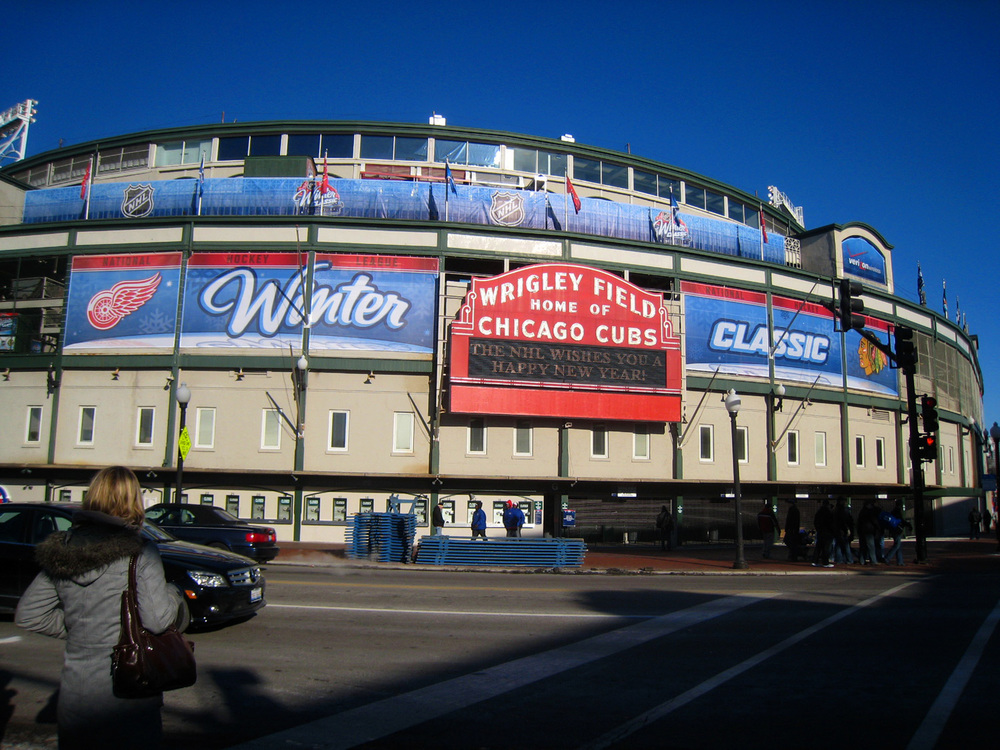 Chicago_Wrigley-WinterClassic-2009.jpg
