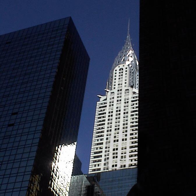 Chyrstler_Building-2002-NYC.jpg