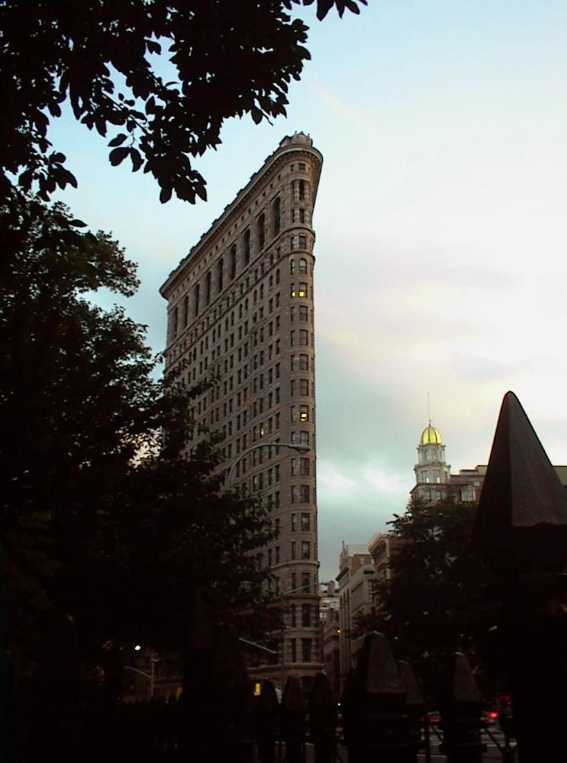 Flat-Iron_Building-2002.jpg