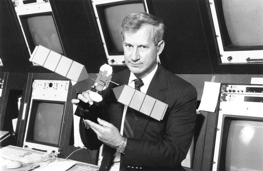 Astronaut, Terry Hart seen with a scale model of Telstar 4 at Bell Labs