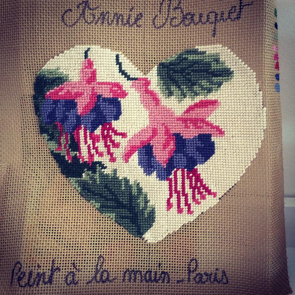 annie-bouquet-tapestry