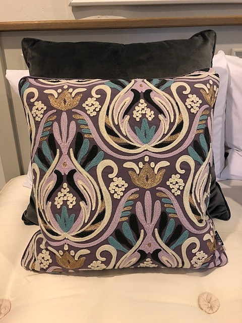 Crewell Embroided Cushion ZVH002