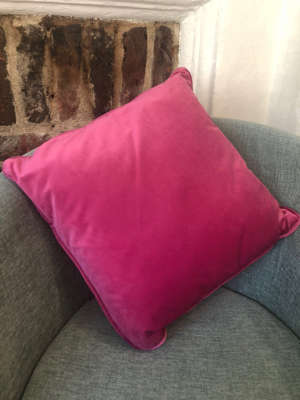 Fuchsia Velvet Cushion SIA006