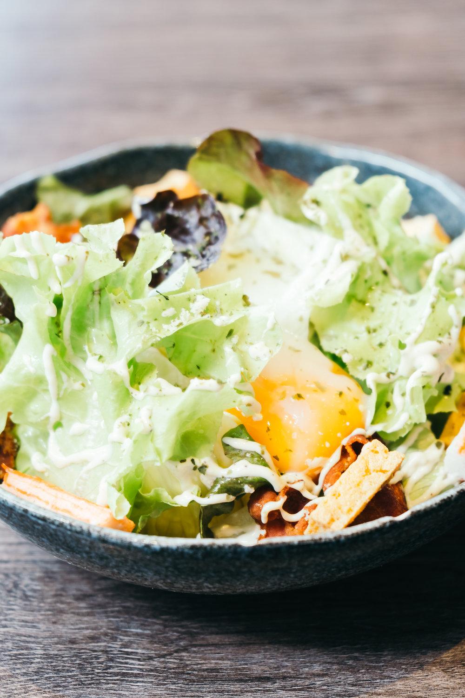 caesar-salad-L96N4PT.jpg