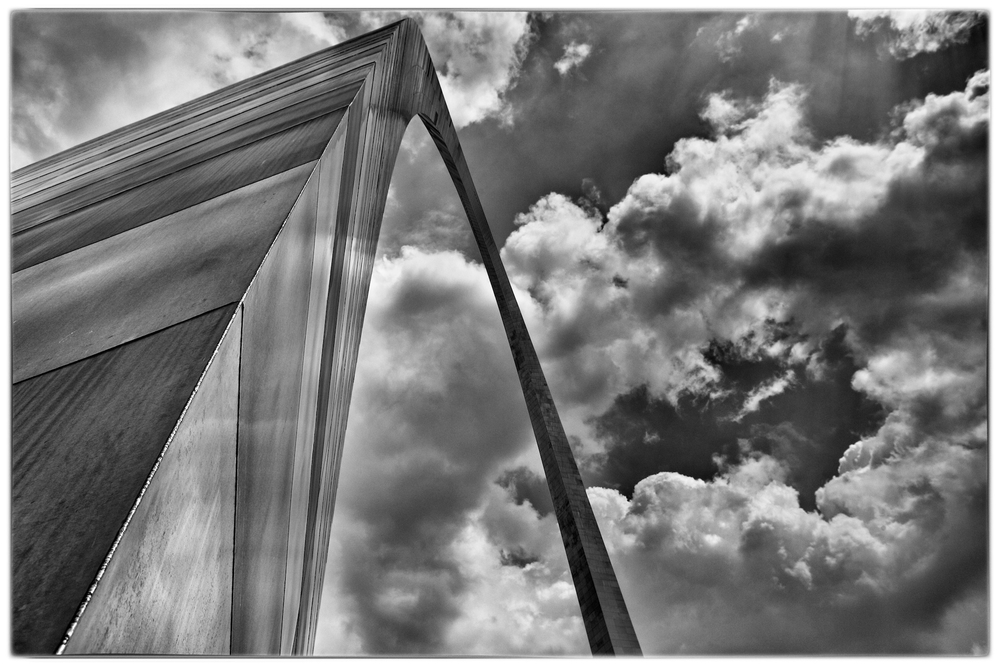 The Gateway Arch, St. Louis, Missouri by Joseph Linaschke