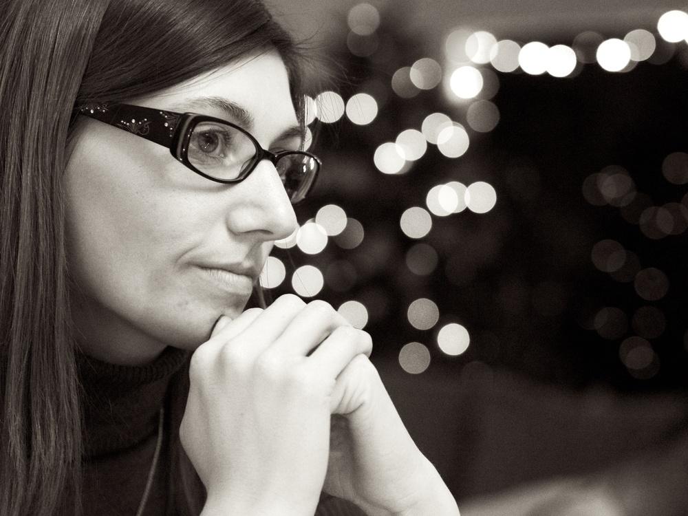 Felicia| Olympus OM-D E-M5, 45mm ƒ/1.8 lens — ISO 6400, 1/100th @ ƒ/2.2