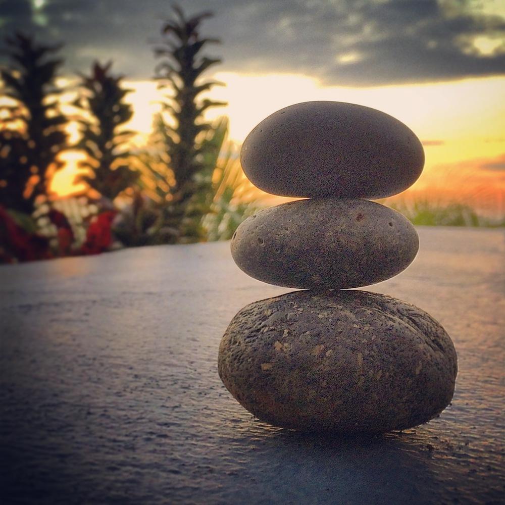 Balanced_rocks.jpg