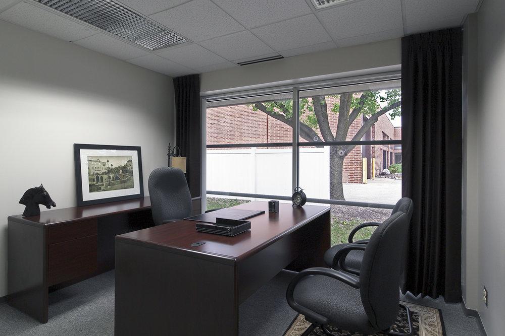 Deluxe Office