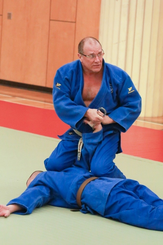 Kneeling Handcuffing with Wrist Lock for Control of Subject