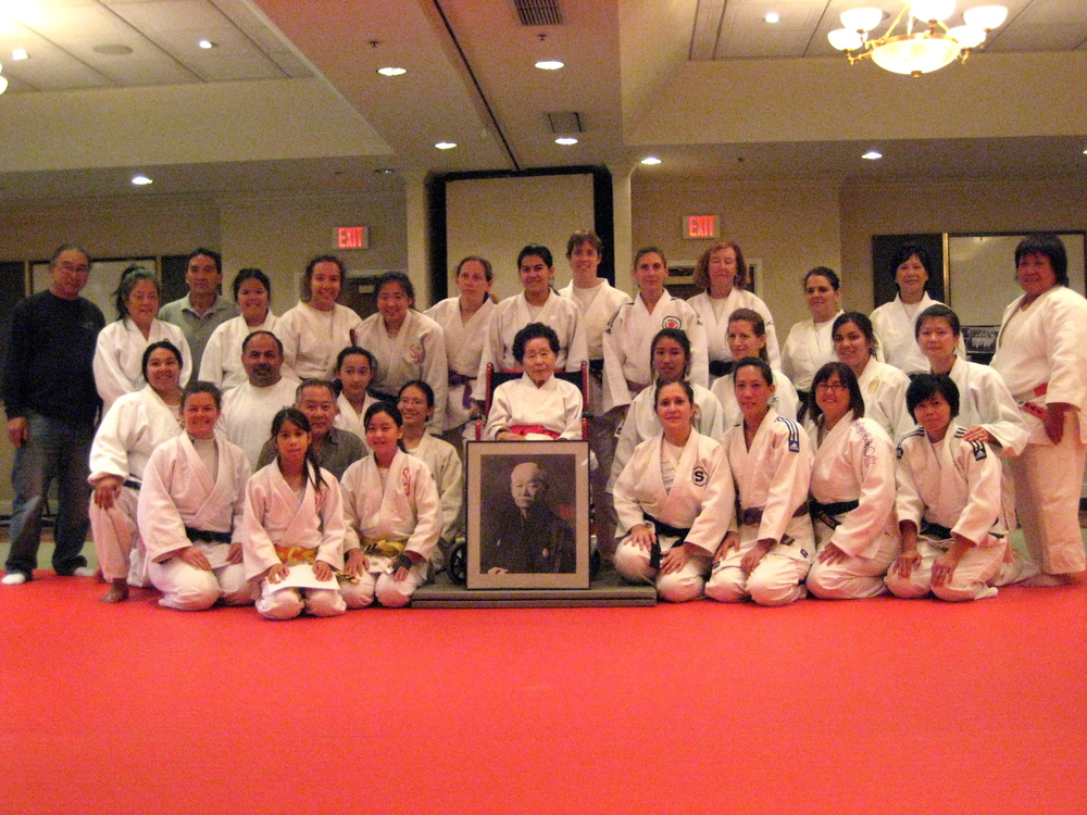 Group photo of Joshi Training Camp 2012 with Chin-I Hsiang (bottom right) and Adelphie Cheng (directly behind her)