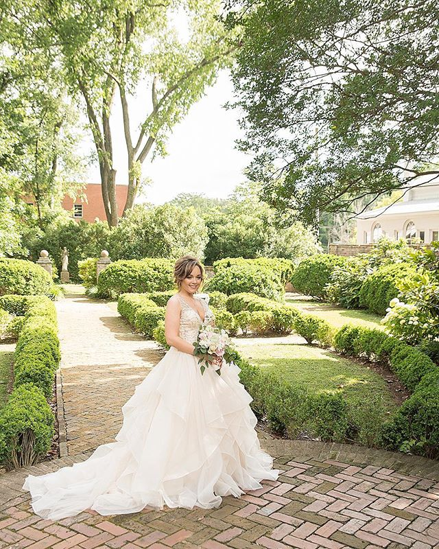 We had so many stunning brides this wedding season. #nashvilleweddingphotographer #weddingdress #weddingday #nashville
