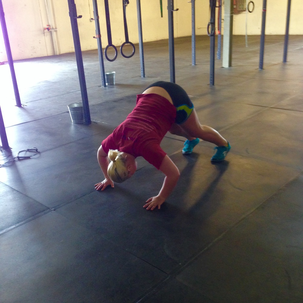 INB4 comments about how Jordan is doing push-ups wrong, she's doing them a specific way to load her shoulders more. Butt-up push-ups copyrightCFNFC