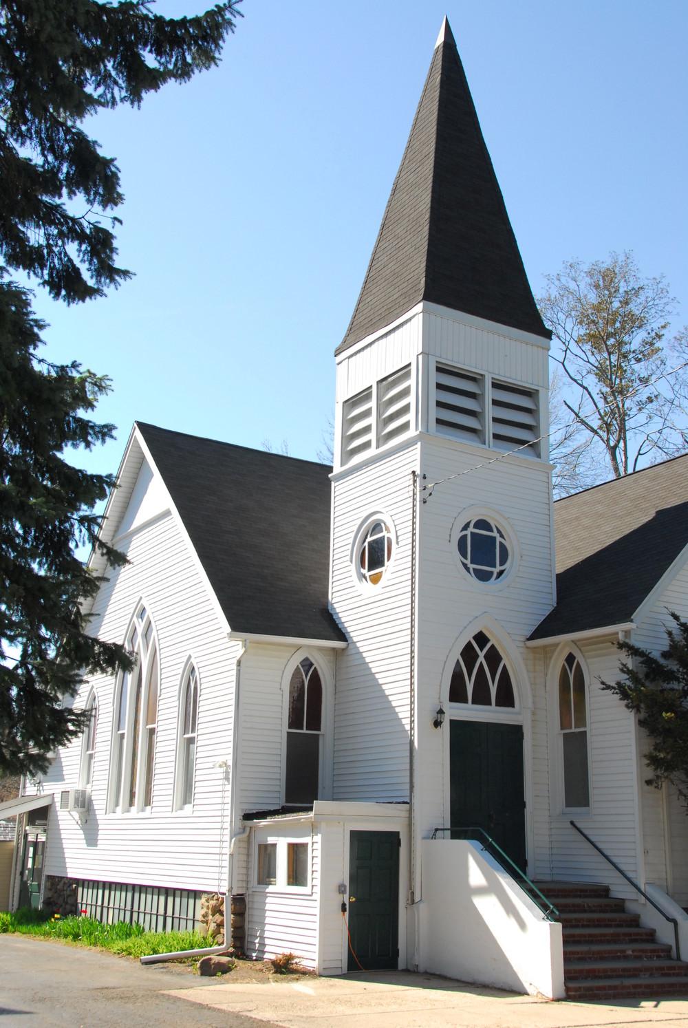 church exterior April 2014.jpg