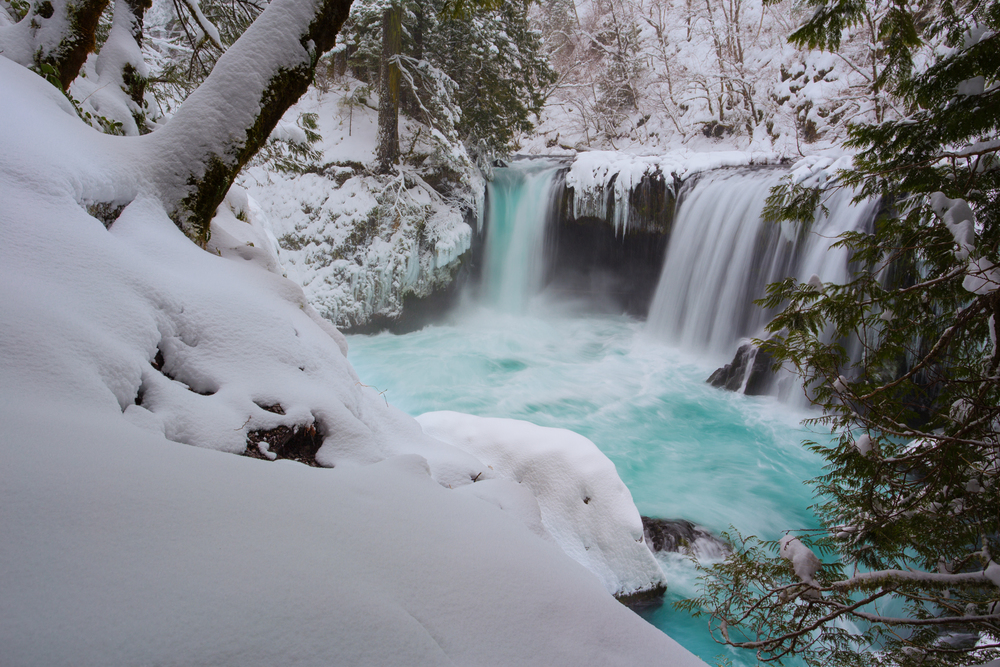 Spirit Falls in the snow.jpg