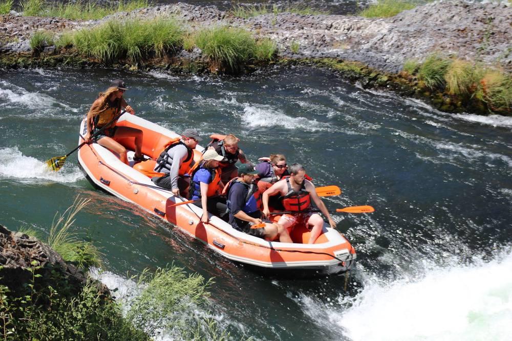Deschutes rafting4.jpg