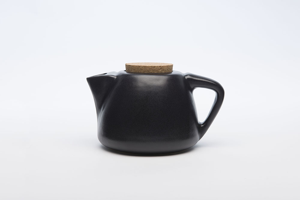 Teapot_Side_Facing_Left.jpg