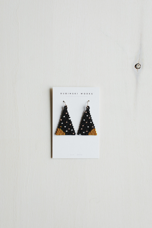 Brickstitch_earrings_2.jpg