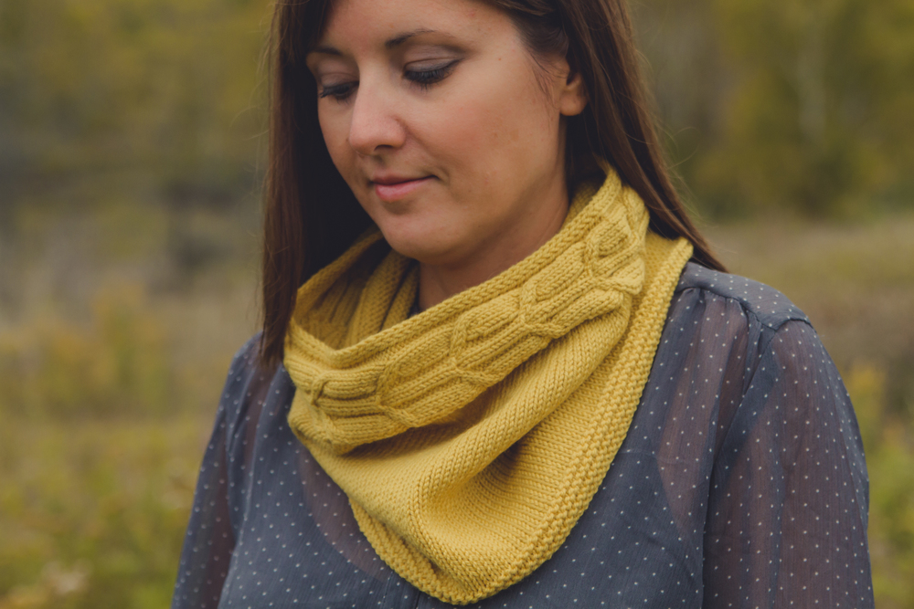 traditional style version, shown in Quince & Co, chickadee, in Carrie's Yellow colorway