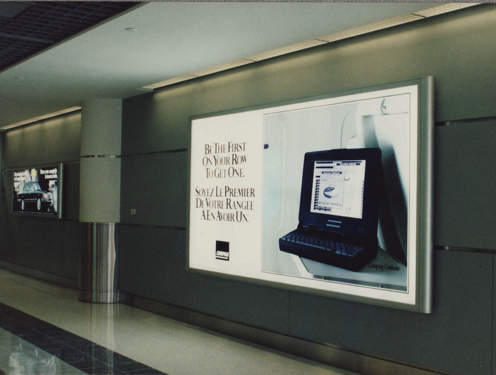 Terminal3IlluminSign01.jpg