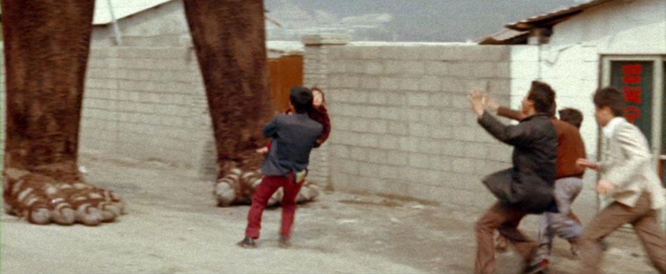 Run! Run from the telephone poles!