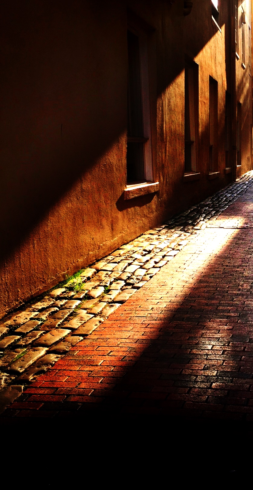 Charleston Light Alley, August 2015