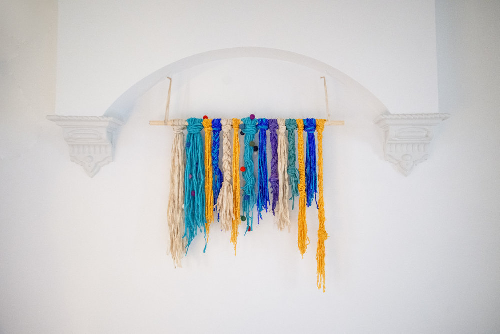 DIY Easy Yarn Hanging