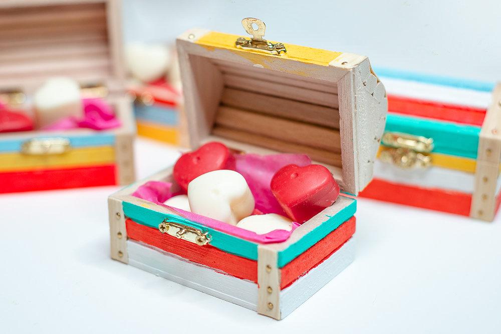 DIY Valentine's Day Chocolate Gift Box