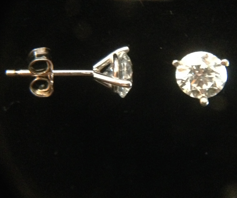 3 Prong Diamond Studs