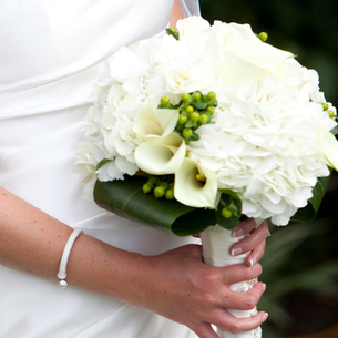 It may be simple but you can't go wrong with a bridal bouquet of white Callas and Hydrangea.
