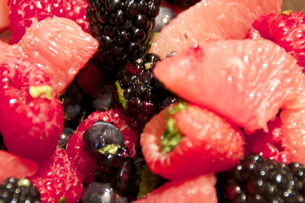 citrus berry salad with lime honey mint dressing