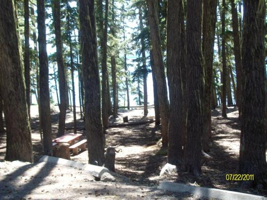 Lakeview and lakefront camping on North Waldo Lake near Oakridge, OR
