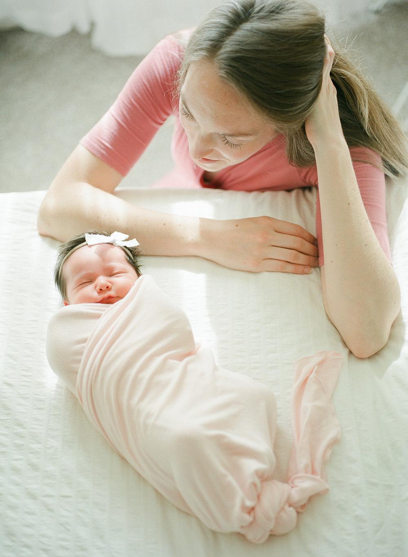 Newborn Norah-8.jpg