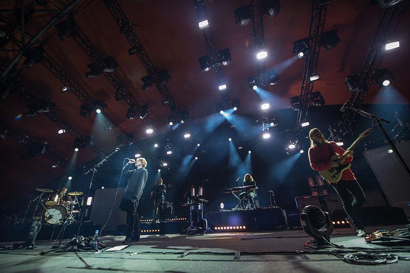 800px-Mew_-_Roskilde_Festival_2012.jpg