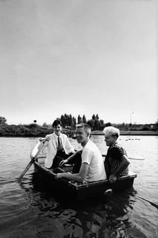 1981年Depeche Mode在Gloucester Park曾有的人工湖划船。