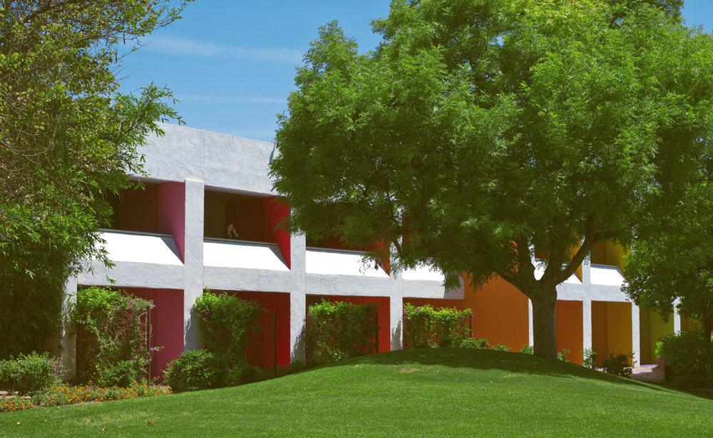 The-saguaro-hotel-rooms.jpg