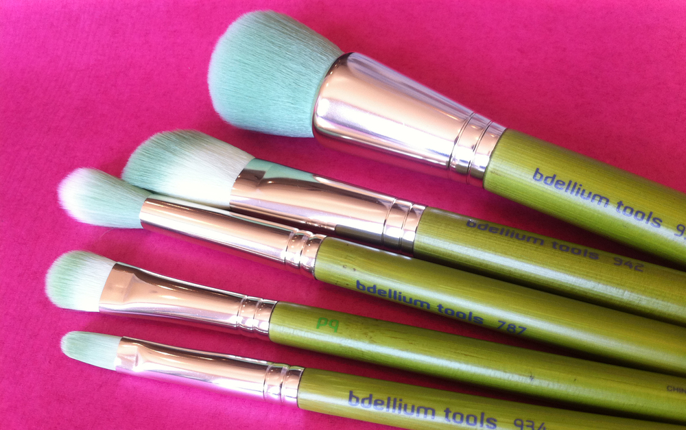 mineral 5pc brush set.  up close and personal.