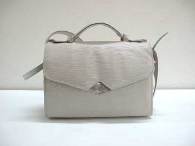 Textured cream and distressed silver/cream, 9x6x6""
