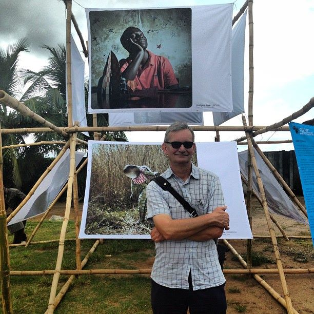 Marin Parr poses at one of the outdoor exhibitions in Lagos!