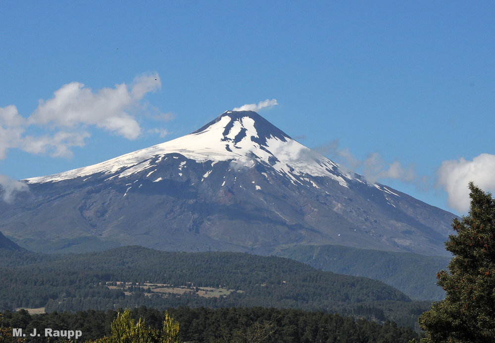 Vulcan Villarrica in Chile; upon its slopes lives the chinchemolle.