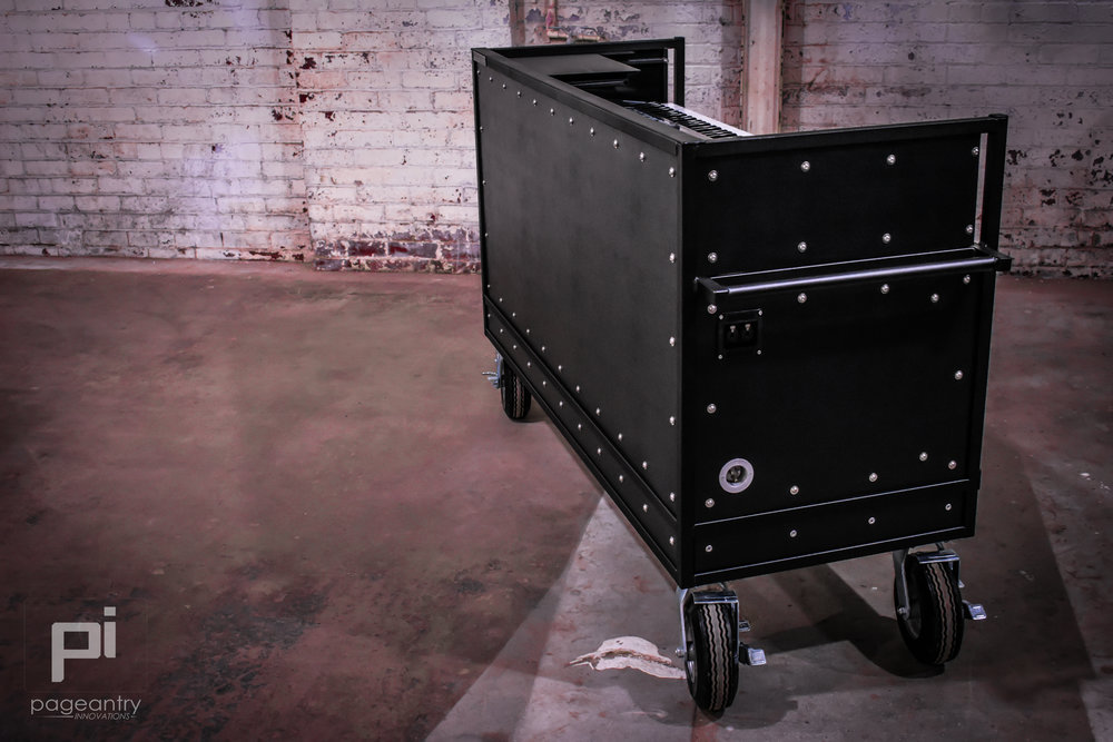 KC-30 Enclosed Synth Cart