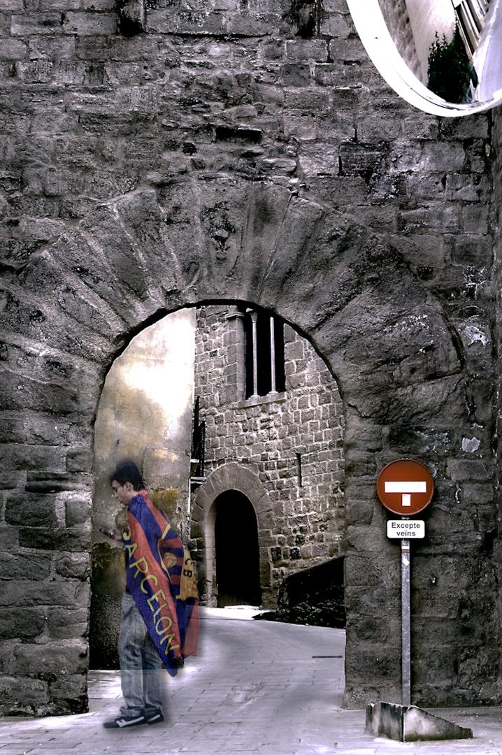 020_spain archway no enter.jpg