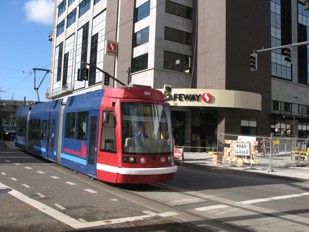 ONE-OF-TWO-SAFEWAY-STORES-ON-THE-STREETCAR-LINE-773529.jpg
