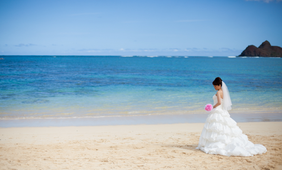 14/365 Lovely bride on the beach in Lanikai