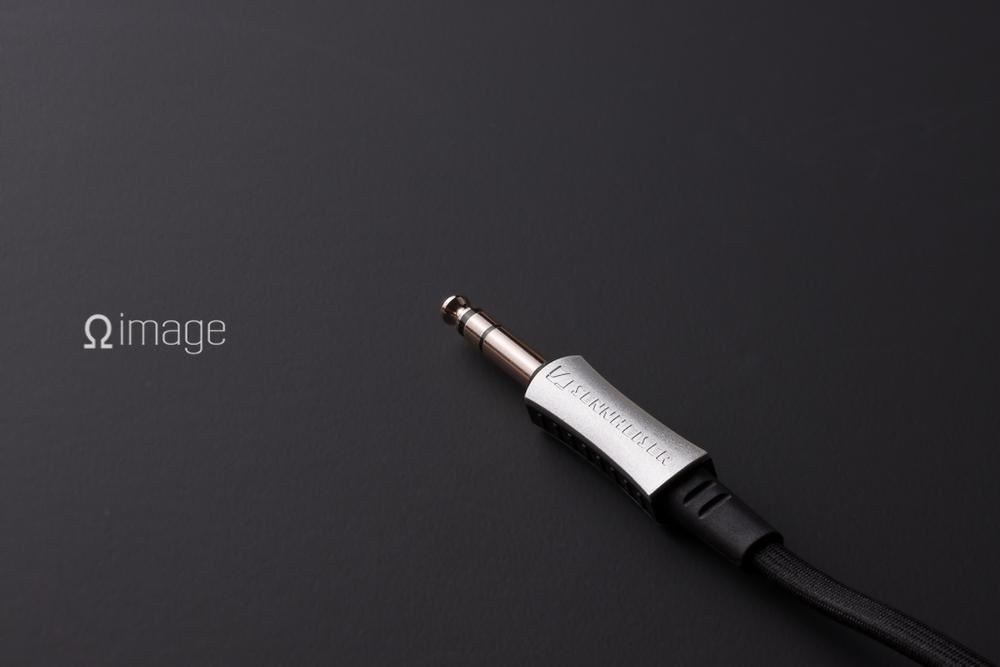OHM-MOOK-Senn-HD700-plug.jpg