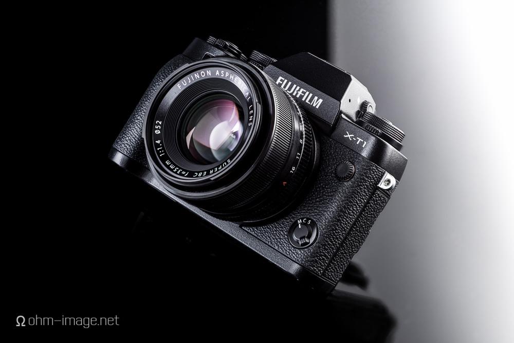 Fujifilm X-T1 front Fujinon 35-1.4.jpg