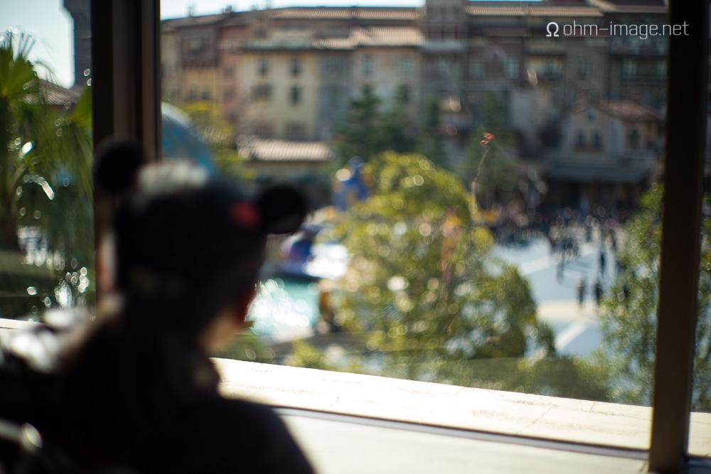 Summilux 50mm pre-asph window2.jpg