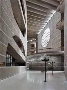 Louis Kahn Natl Assembly Bldg 1.jpg