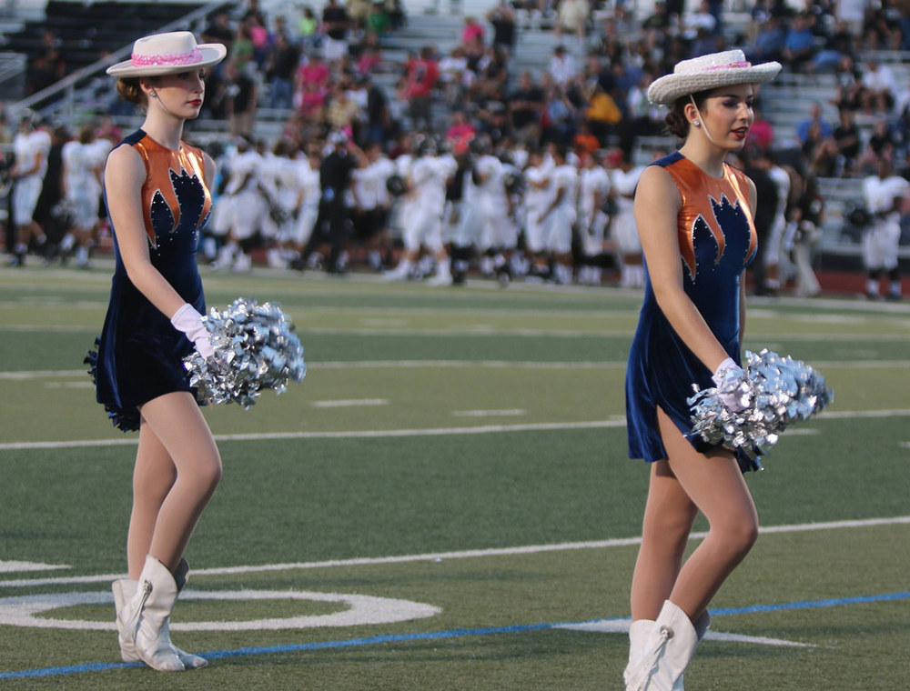 Pink Out Oct 10 2014_15328272279_l.jpg