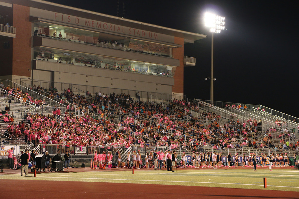Pink Out Oct 10 2014_15328512178_l.jpg