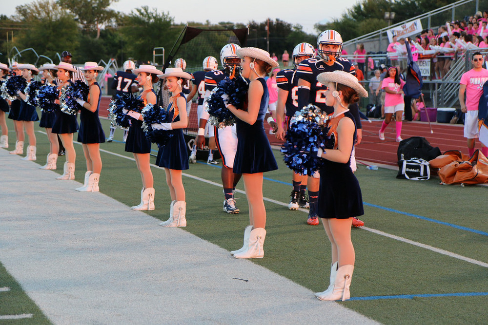 Pink Out Oct 10 2014_15328517388_l.jpg